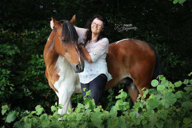 Gertrud und Mustang